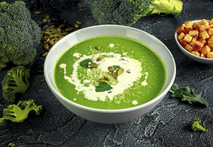 Božské zeleninové polévky do 30 minut: Dýňová, papriková a brokolicová!