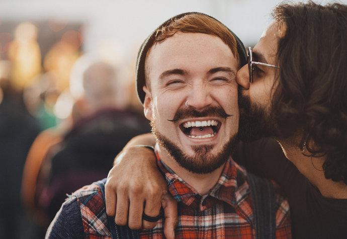 Růžovější vztah: V čem mohou být homosexuální páry inspirací pro ostatní?