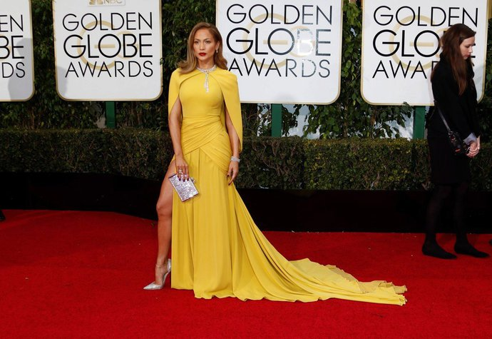 Zlaté Glóby  Nejkrásnější šaty všech dob!  2ab23d0dbf