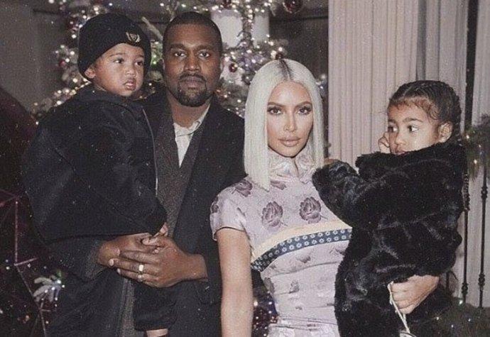 Kim Kardashian je trojnásobná matka! Které slavné ženy letos čekají příchod potomka?