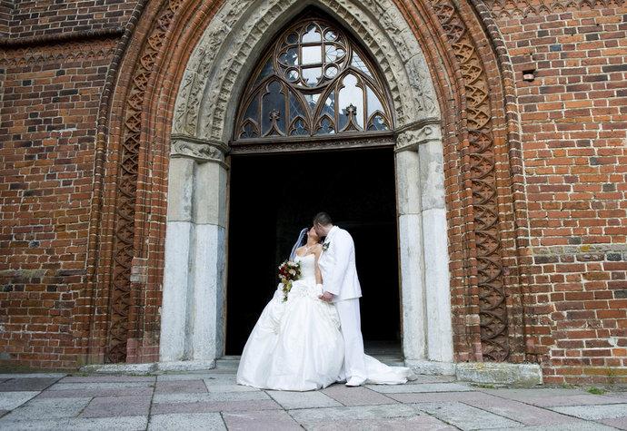 Svatba v kostele není jen tak. Co vás čeká, jaké tradice je nutné dodržet a jaké vás čekají překážky?