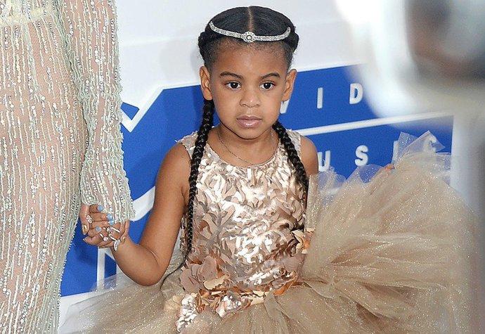 Hvězda Blue Ivy a její perfektní outfity