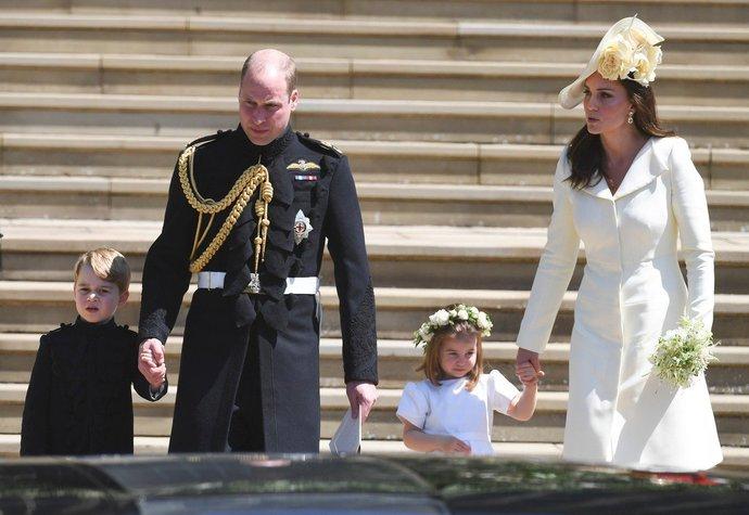 779b5c6f809 Počtvrté ve stejných šatech  Proč si vévodkyně Kate nekoupila na ...
