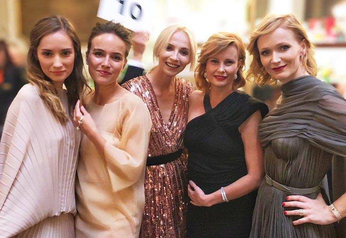 10 nejlepších outfitů z Varů. Které dámy o víkendu zabodovaly?