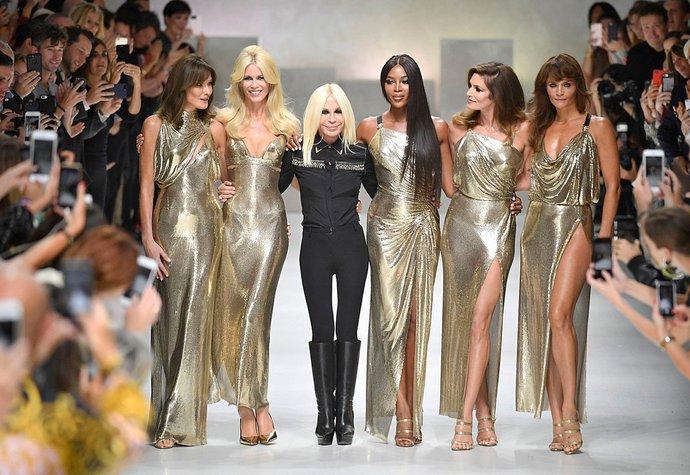 Michael Kors kupuje módní dům Versace. Půjde Donatella do důchodu ... 06398aff4f