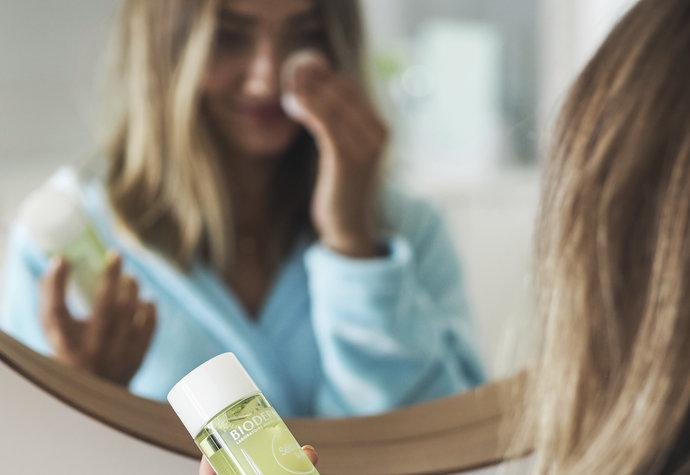 10 účinných tipů, jak se zbavit akné