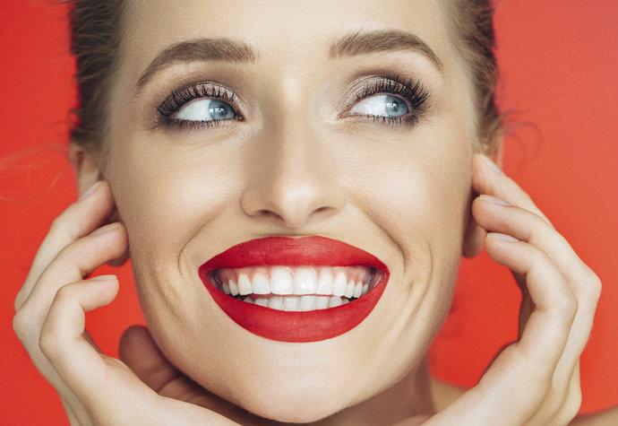 Co nám během života křiví zuby? Hlídejte si vaše návyky