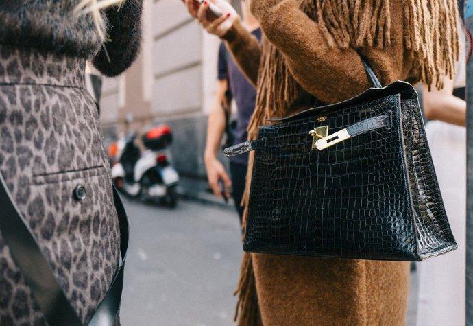 Návrat k eleganci  Kde právě teď koupíte stylovou kabelku s ... 2ae96ee8f7