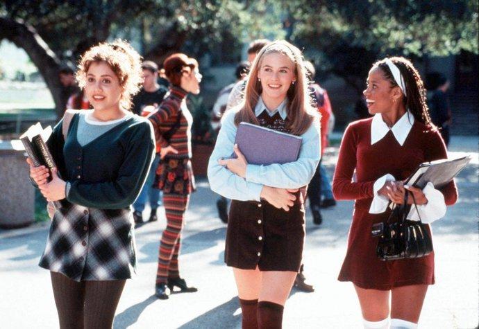 Aktuální velkou inspirací je i móda ve filmu Clueless (Bezmocná) z roku 1995 e9a606205e