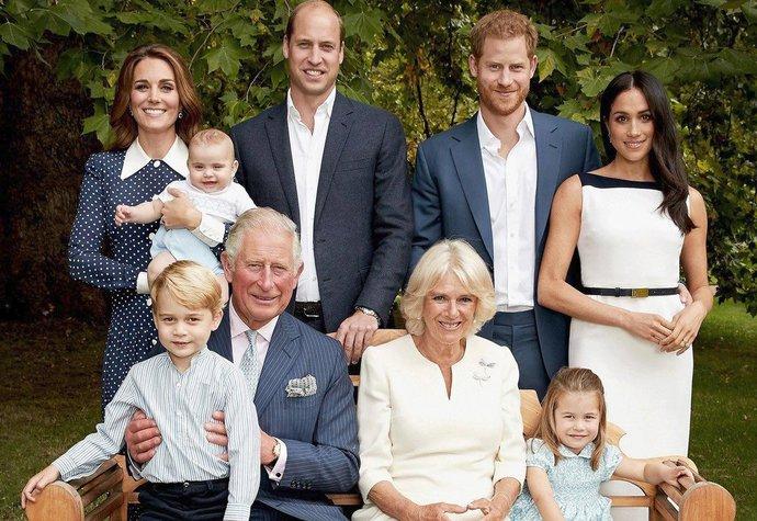 Rok 2018: Nejčerstvější fotografie britské královské rodiny, která vznikla k příležitosti oslav 70. narozenin prince Charlese
