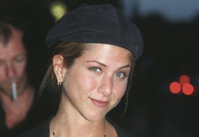 Jennifer Aniston v Paříži (1998)