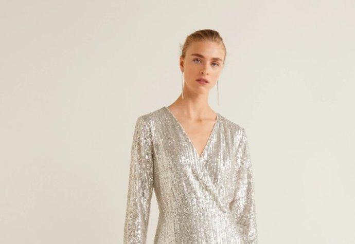 Plesové šaty 2019  Krásné koupíte i v konfekci do 2 tisíc korun ... 08f97ae616