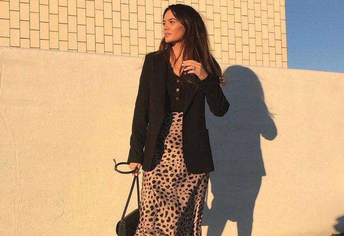 Dánská módní influencerka Funda Christophersen v sukni Réalisation Par