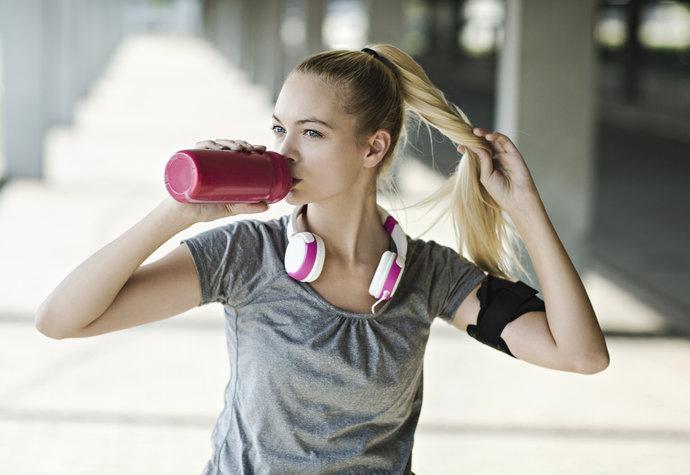Co jíst před během? Záleží, jestli chcete hubnout, nebo budovat svaly