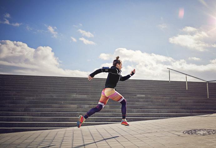 Běhejte v zimě, do schodů nebo bos. Na co přitom nezapomeňte?