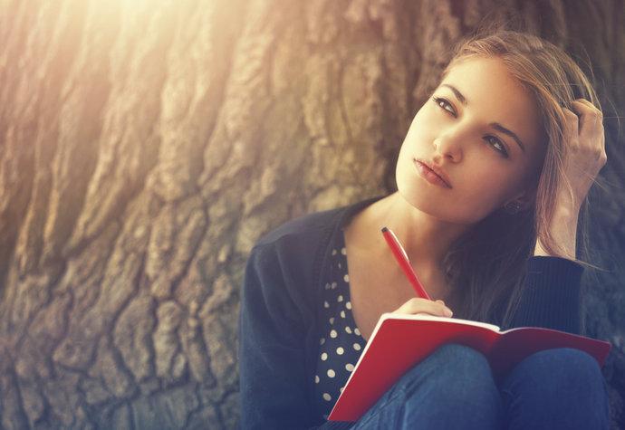 Využijte sílu psaní. Napište si, co vás trápí i těší, a srovnáte si život
