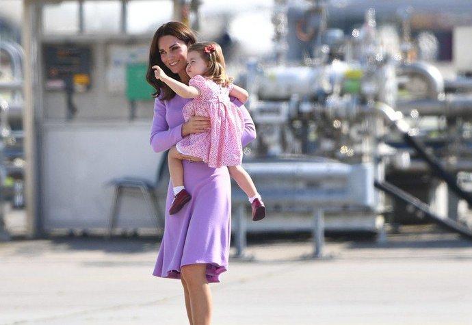 Vévodkyně Kate s princeznou Charlotte v roce 2017