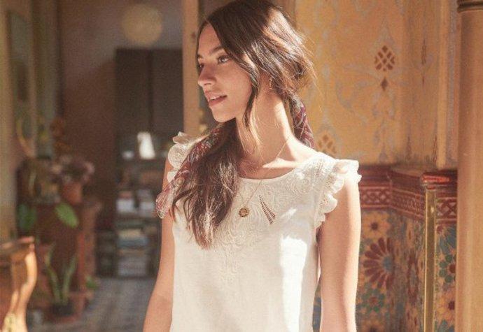 60158e0f5dbc Bílá   krajka  20 nejněžnějších šatů pro letošní léto