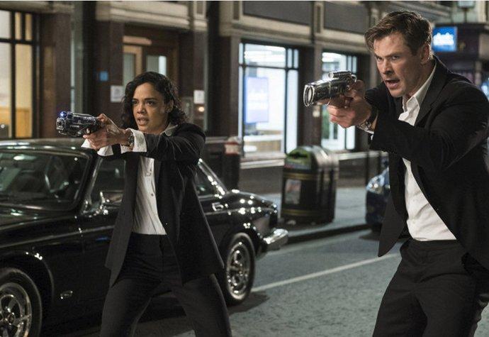 Červnové filmové premiéry: Vrací se Muži v černém i X-Meni!