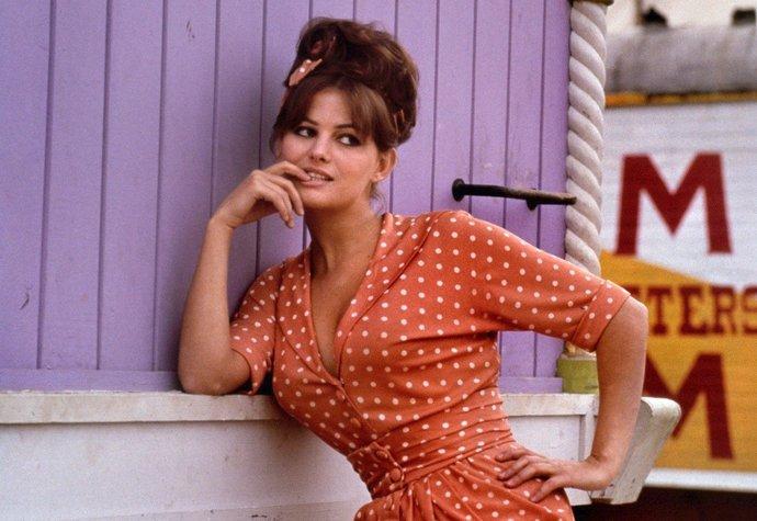 Ikonické módní kousky z 60. let, které nás inspirují dodnes!