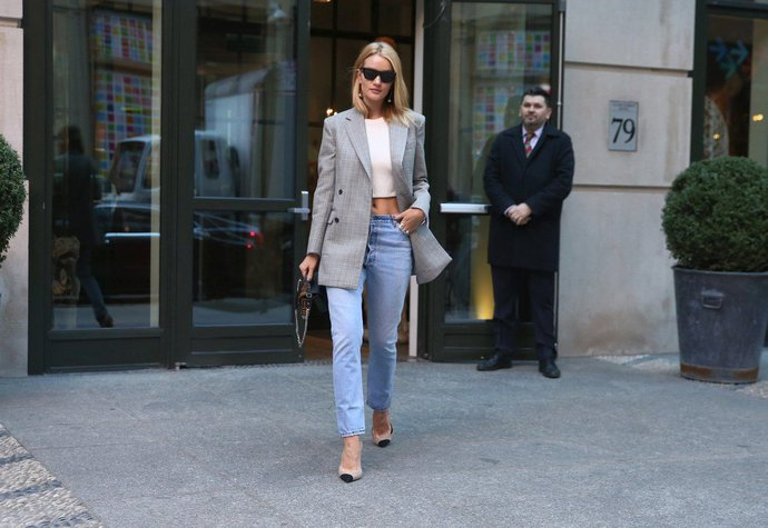Styl Rosie Huntington-Whiteley