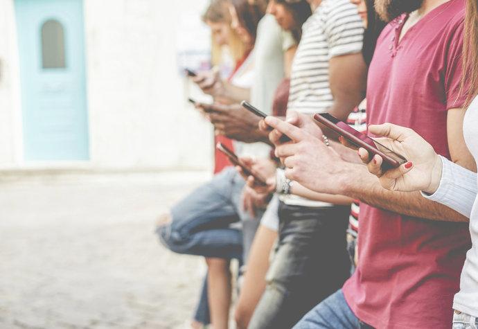 Nezvládnete 10 minut bez telefonu? Dejte si pozor na nomofobii