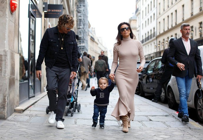 Herečka Eva Longoria se s rodinou ukázala v Paříži