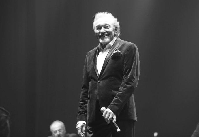 Ve věku 80 let zemřel Karel Gott