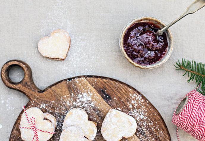 Vánoční cukroví: Vyzkoušejte linecká srdíčka bez lepku!