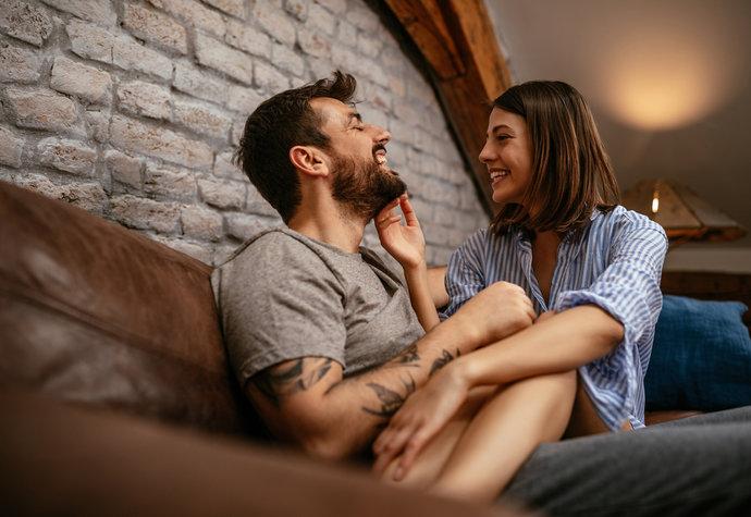 Proč je dotyk ve vztahu tak důležitý? Jak často se dotýkáte svého partnera?