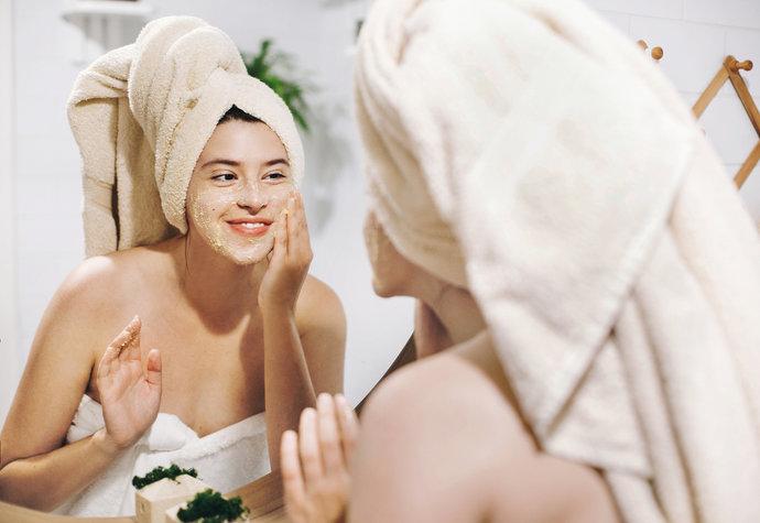 Domácí beauty salón: Vyrobte si masku na obličej a užijte si relax!