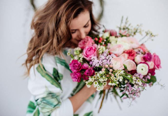 Rozdávejte radost: Úžasná květinářství, která doručí kytku zdarma až domů!