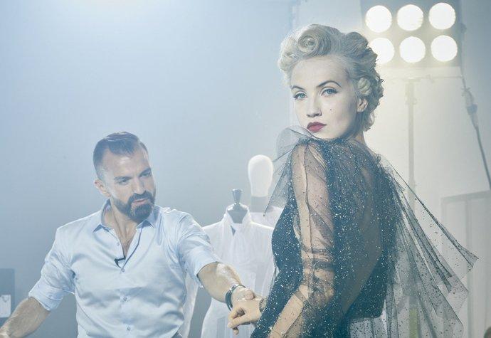 Julien Fournie nafotil lookbook s českou modelkou Michaelou Tomanovou