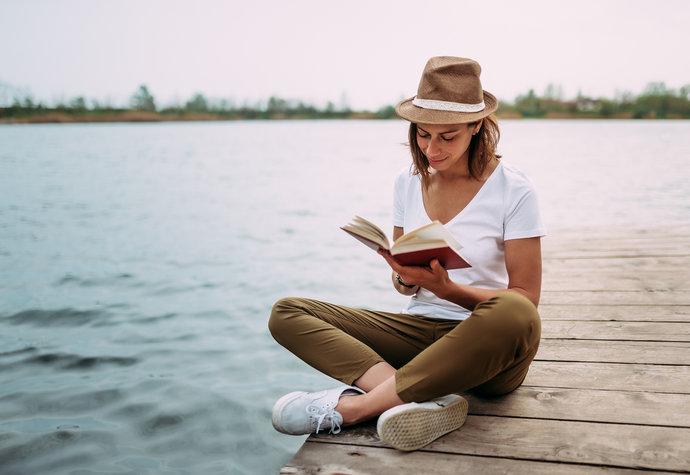 Štěstí na knižní předpis: Mohou vám motivační knihy změnit život?