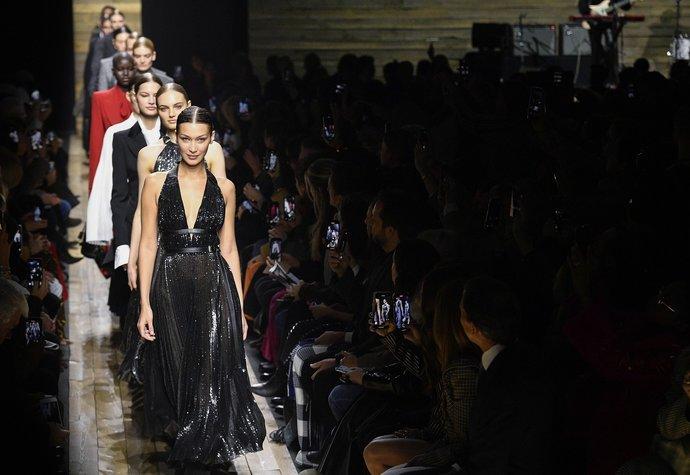 Nová sezona za dveřmi: 6 trendů, které ovládnou většinu šatů