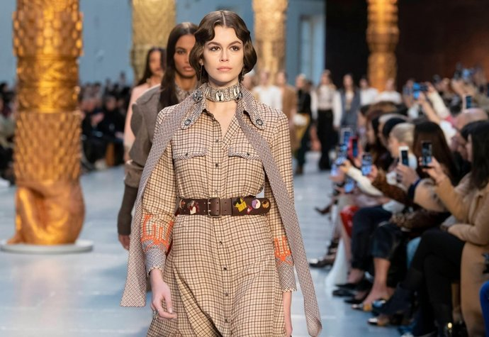 5 trendů, které ovládnou nejdůležitější módní doplněk tohoto podzimu