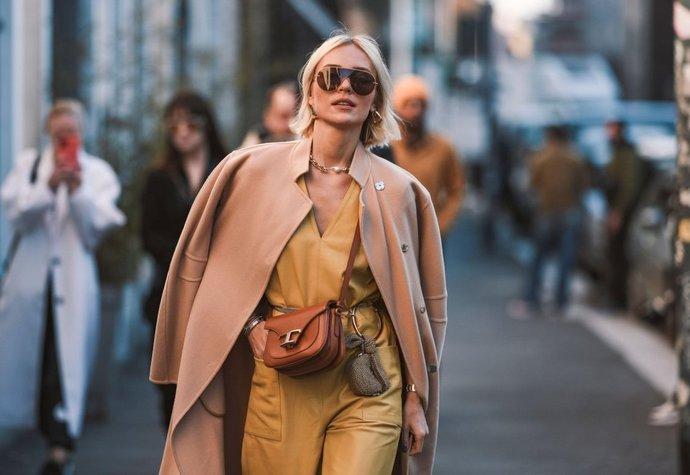 Okázalost i praktická elegance: 4 trendy, které diktují luxusní kabelky