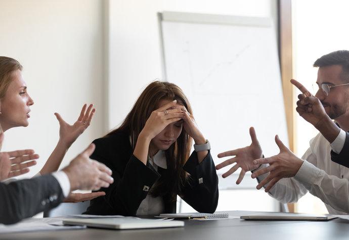 Emoce v práci: Jak nás ovlivňují? A proč je neignorovat?