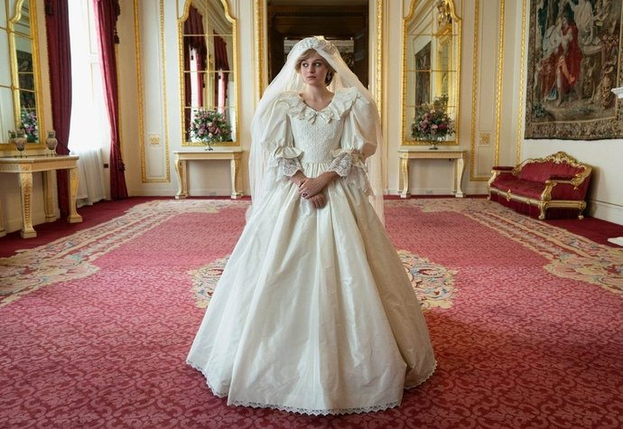 Emma Corrin v seriálu The Crown