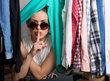 Víte kolik máte věcí ve skříni?