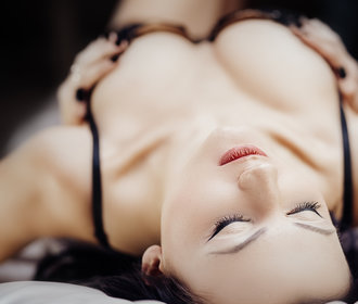 Bradavkový orgasmus: 4 kroky, díky kterým ho zažijete!