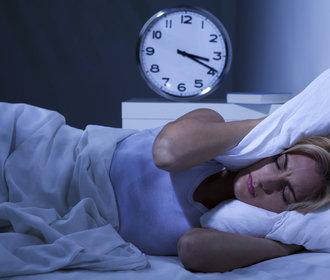 Nedostatek spánku může přispívat k rozvoji některých typů rakoviny