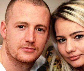 Brit chtěl přítelkyni požádat na dovolené o ruku! Na letišti mu ale překvapení zhatili