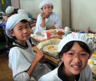 """Neuvěřitelné: Záběry z kamery ve školní jídelně rozdýchají jen otrlí jedinci"""""""