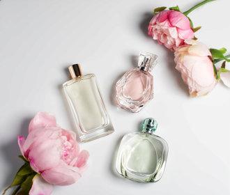 Nejlepší módní návrháři nás oblékají do svých parfémů. Který zvolíte vy?