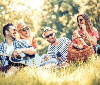 Vzhůru na piknik! Jak si užít jídlo v přírodě?