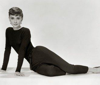 Ikonický šatník Audrey Hepburn bude na prodej