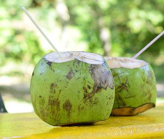 Kokosová voda: 6 důvodů, proč si ji zamilujete!