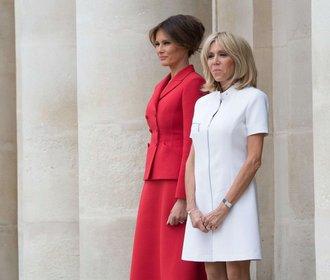 Mini & skinny: Jak Brigitte Macron převrací dress code prvních dam