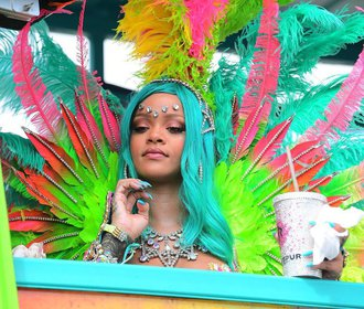 Sexy Rihanna na karnevalu: Podívejte se na všechny její kostýmy!